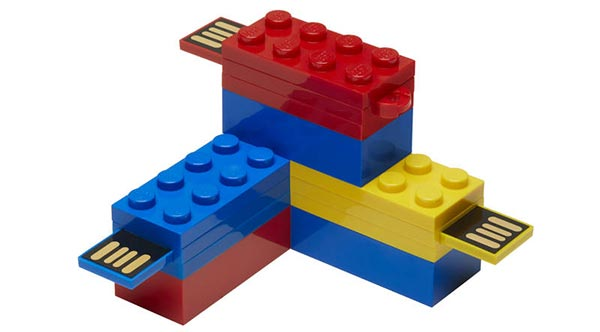 Playing with PNY LEGO flash drives