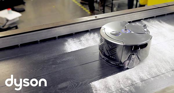 Dyson 360 Eye attacks the dust